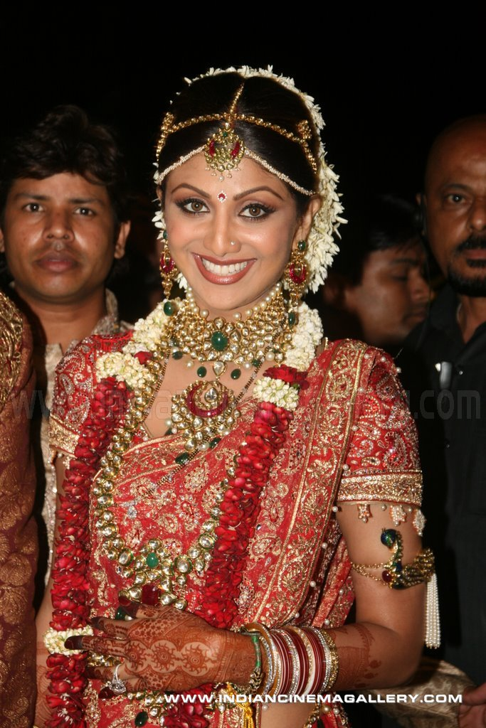 bollywood bridal makeup. Bollywood Brides (recent ones)