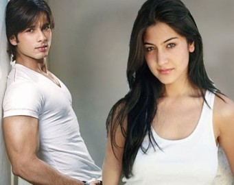 https://bollywoodcinemagallery.files.wordpress.com/2010/03/shahid-kapoor-anushka-sharma.jpg?w=300